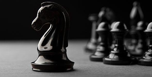 تصویر پس زمینه مهره سیاه شطرنج