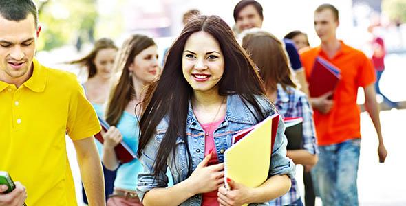 تصویر پس زمینه دانشجویان در دانشگاه