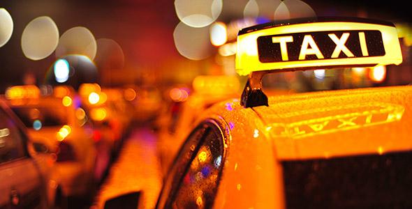 تصویر پس زمینه تاکسی در شب