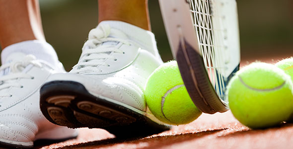 تصویر پس زمینه پای انسان ورزشکار