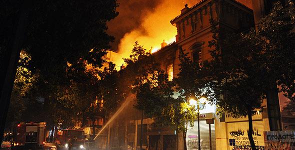 تصویر پس زمینه آتش سوزی و اطفا حریق