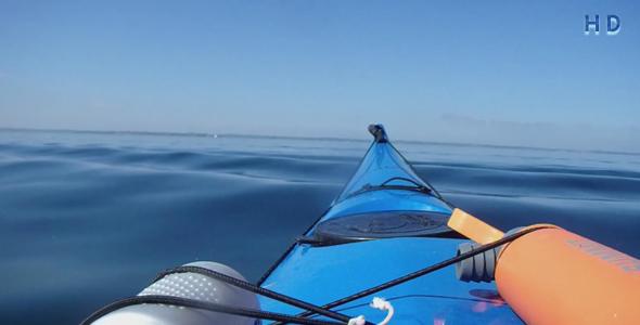 ویدیو قایق کایاک در دریای آرام