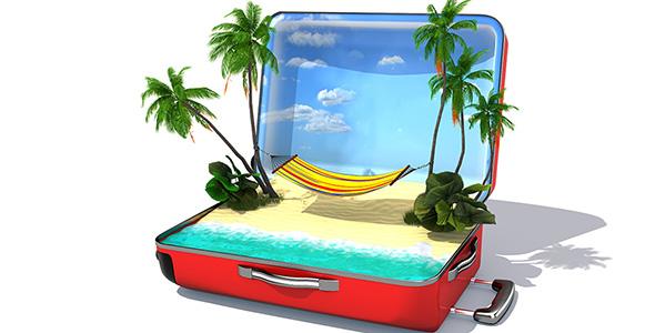تصویر چمدان باز با مفهوم مسافرت و استراحت