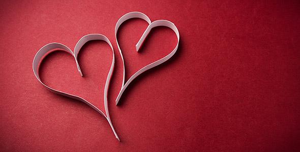 تصویر قلب کاغذی روز ولنتاین و عشق