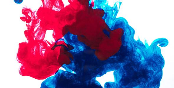 تصویر افتادن قطره جوهر رنگی در آب