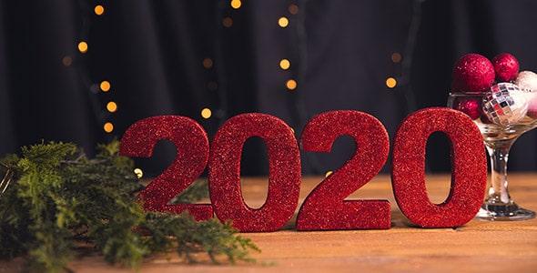 تصویر نمای جلو سال 2020 روی میز