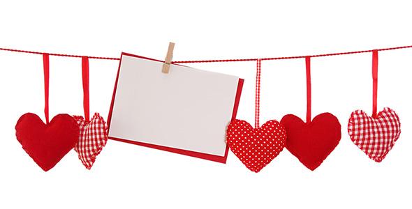 تصویر مجموعه قلب قرمز پارچه ای