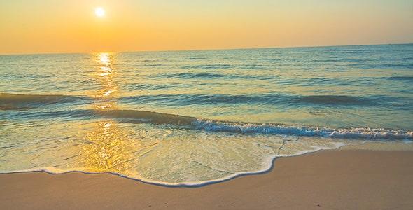 تصویر پانوراما طلوع خورشید و ساحل دریا