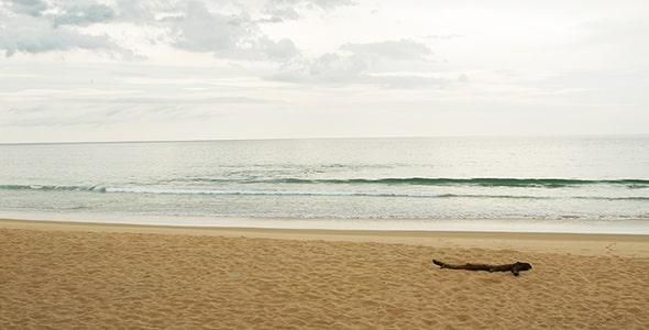 تصویر پس زمینه ساحل شنی و دریا