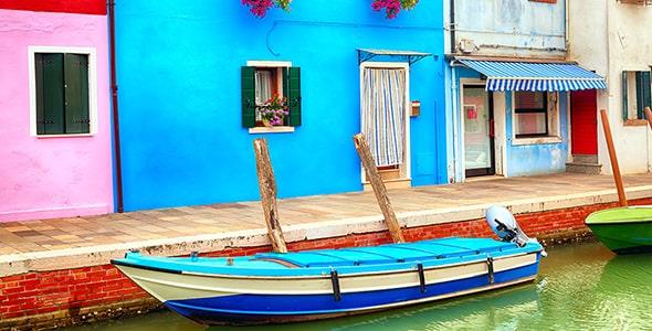 تصویر خانه های رنگی در بورانو ونیز ایتالیا