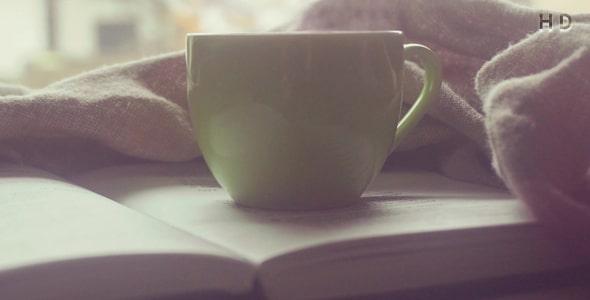 ویدیو فنجان قهوه صبحانه و کتاب