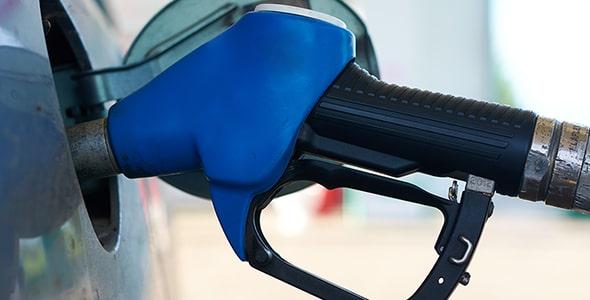 تصویر پس زمینه نازل بنزین و سوخت گیری