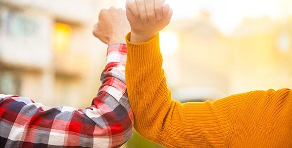 تصویر دست دادن و اپیدمی ویروس کرونا
