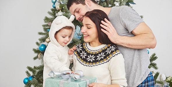 تصویر پس زمینه خانواده شاد و روز کریسمس