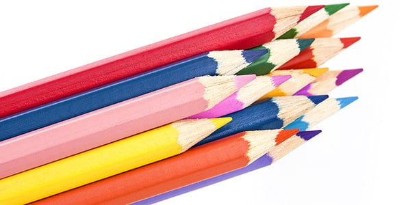 تصویر پس زمینه کلوزآپ مجموعه مداد رنگی