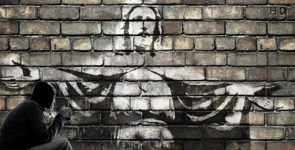 ویدیو انسان و نقش عیسی مسیح روی دیوار