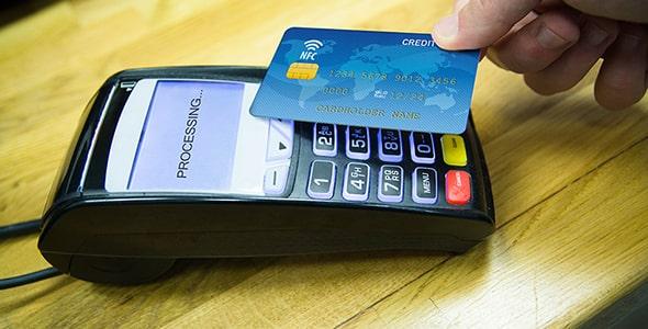 تصویر پرداخت با سیستم NFC