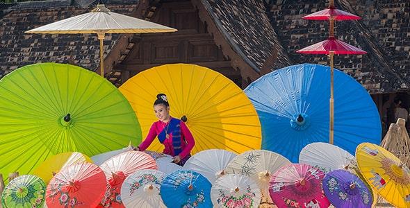 تصویر پس زمینه مجموعه چتر سنتی ژاپنی