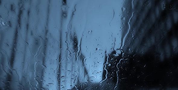 ویدیو بارش باران روی شیشه