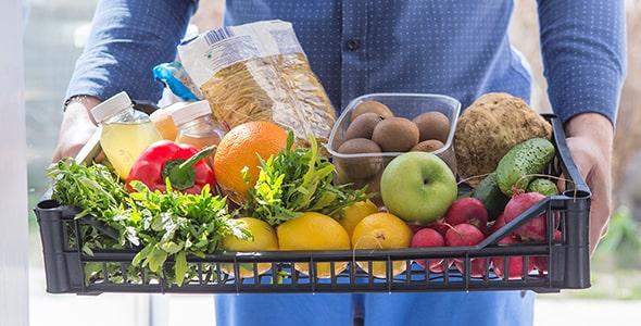 تصویر با مفهوم تحویل و سفارش مواد غذایی