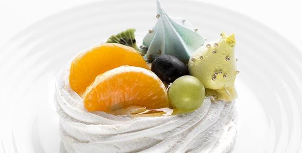 تصویر پس زمینه نمای بالا کیک میوه ای