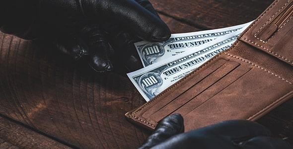 تصویر کیف پول با مفهوم سرقت و دزدی پول