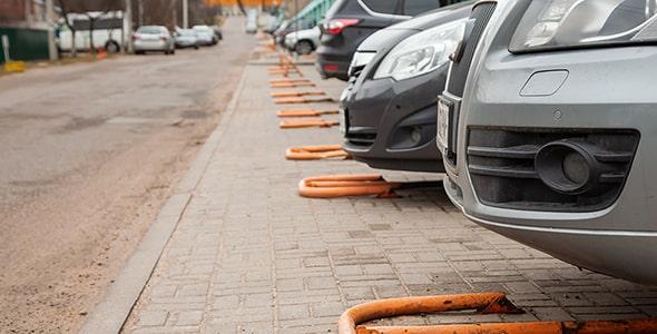 تصویر مجموعه ماشین در پارکینگ خصوصی